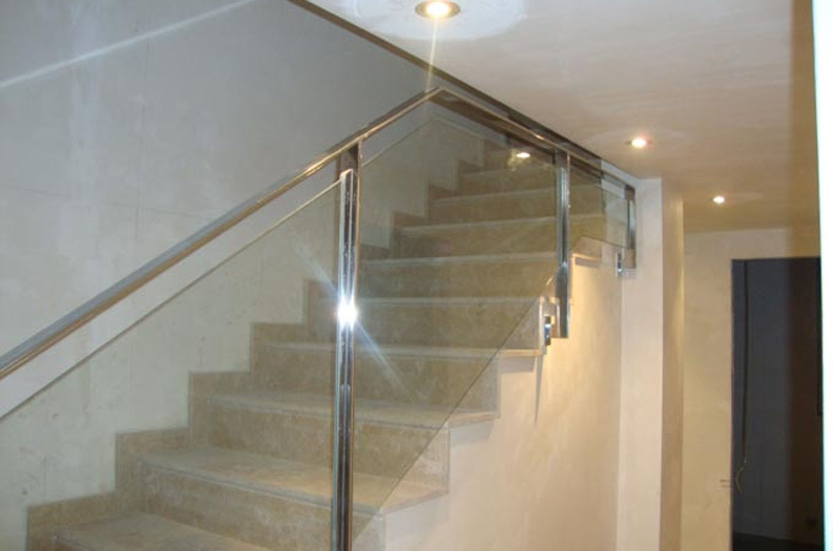 Barandillas de cristal para escaleras cool escaleras de for Escaleras yuste